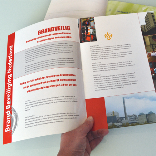 mos grafische vormgeving brochures folders